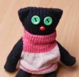 http://manualidadesreciclables.com/16024/como-hacer-gato-con-un-guante