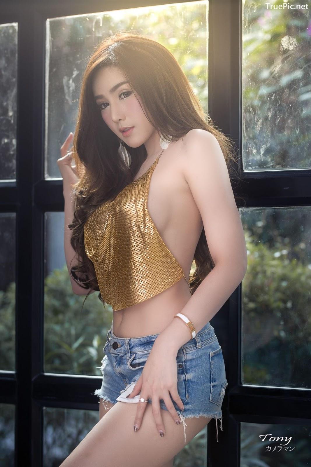 Image-Thailand-Sexy-Model-Khwankanang-Buakongyossawan-Yellow-Camisole-And-Jean-TruePic.net- Picture-1