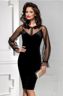rochie midi neagra de seara din catifea  cu maneci tull, usor evazate  brosa eleganta la guler