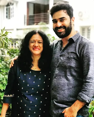 Shine Shetty childhood photo with his mother and father
