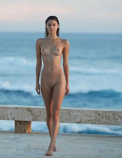 Naughty Girl - Vika_Levina_by_David_Bellemere_II_01_%25281%2529.jpg