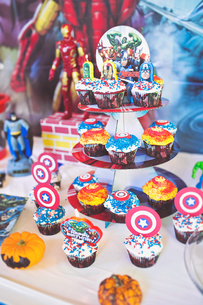 Birthday cupcakes decorated for superhero party