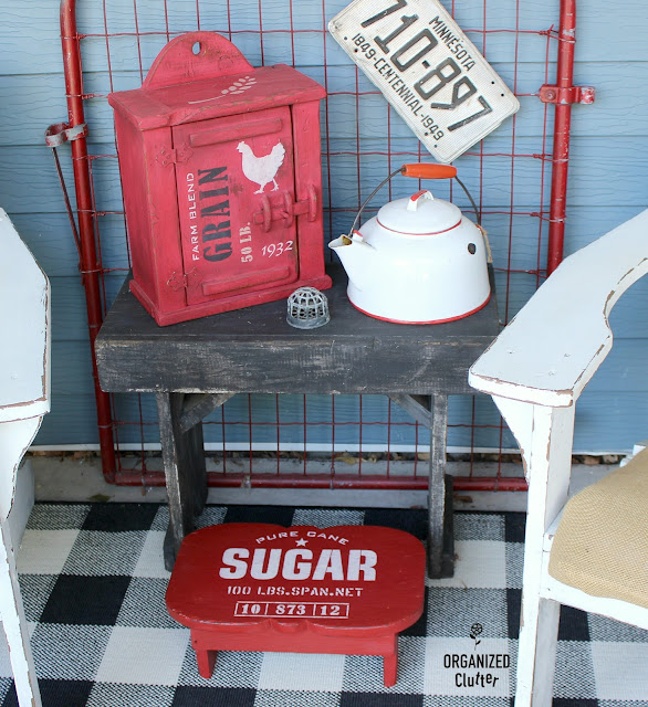 Upcycled, Repurposed and Stenciled Stools #OldSignStencils #stencil #upcycle #dixiebellepaint #farmhousestyle