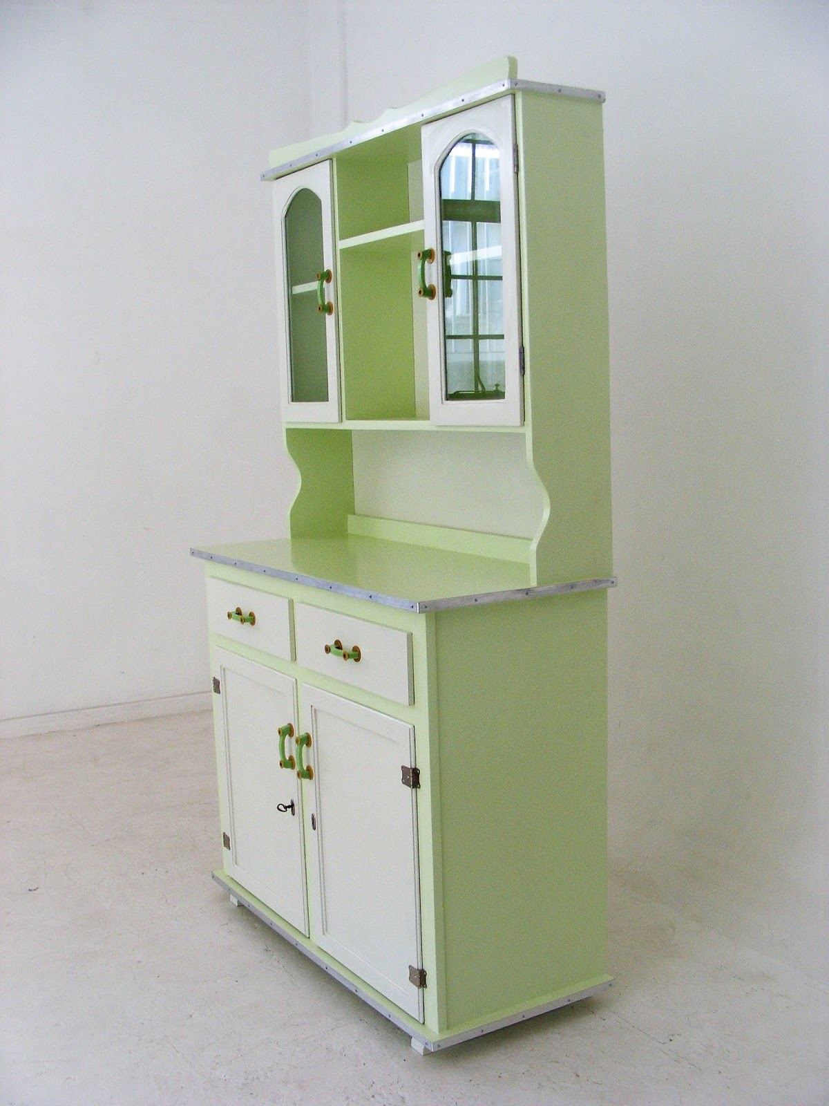 Vamp Furniture A Small Vintage Kitchen Dresser At Vamp 27 May 2019