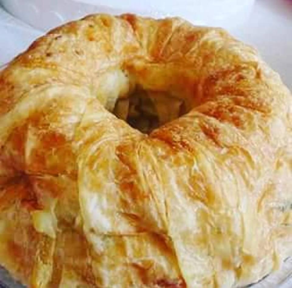Hazır Yufkadan Kek Kalıbında Börek