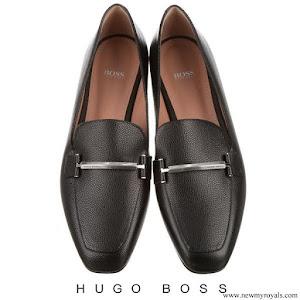 Queen Letizia wore Hugo Boss Lara pebbled leather loafers