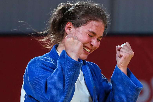 Junior cselgáncs Eb - Özbas Szofi aranyérmes