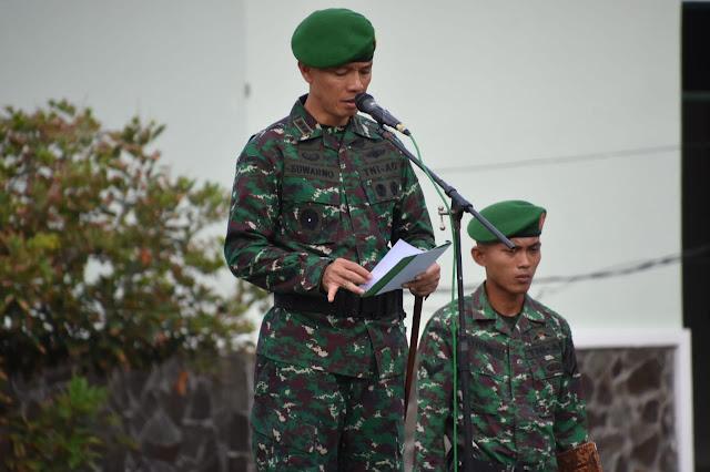Peringati Hari Ibu, Personel Makorem 141/Tp Laksanakan Upacara Bendera
