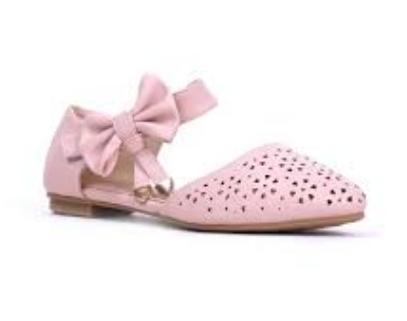 Ingin Membeli Flat Shoes? Cek Rekomendasi Berikut!