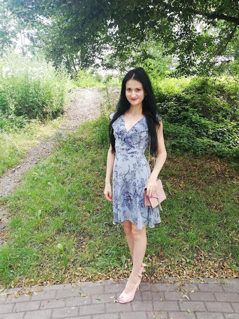Orsay błękitna sukienka w kwiaty