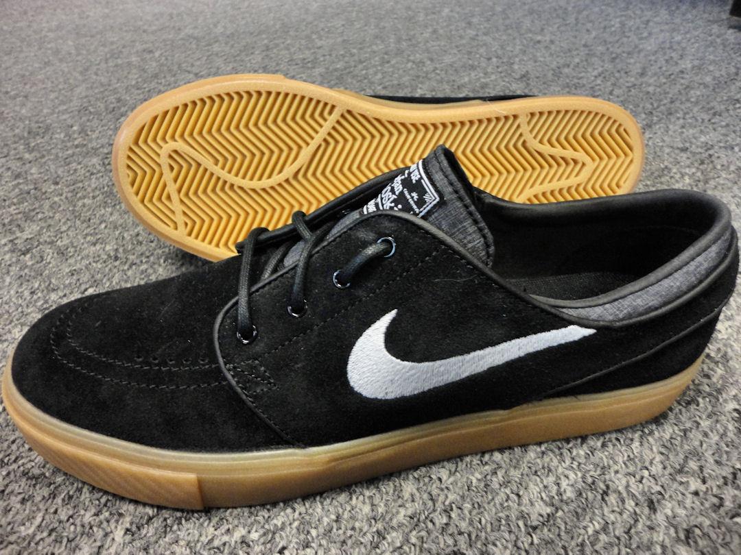 68c21356c2b7c9 Nike Janoski - Black   White   Gum