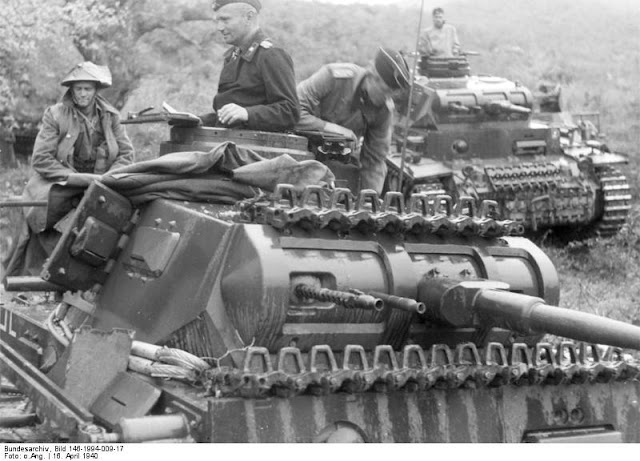 16 April 1941 worldwartwo.filminspector.com Panzer III New Zealand prisoner