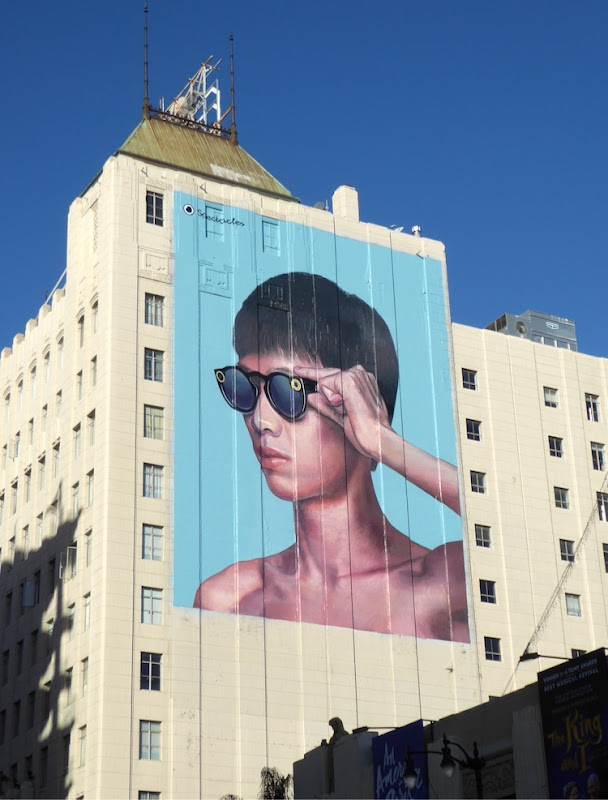 Giant Spectacles Snapchat 2016 billboard Hollywood