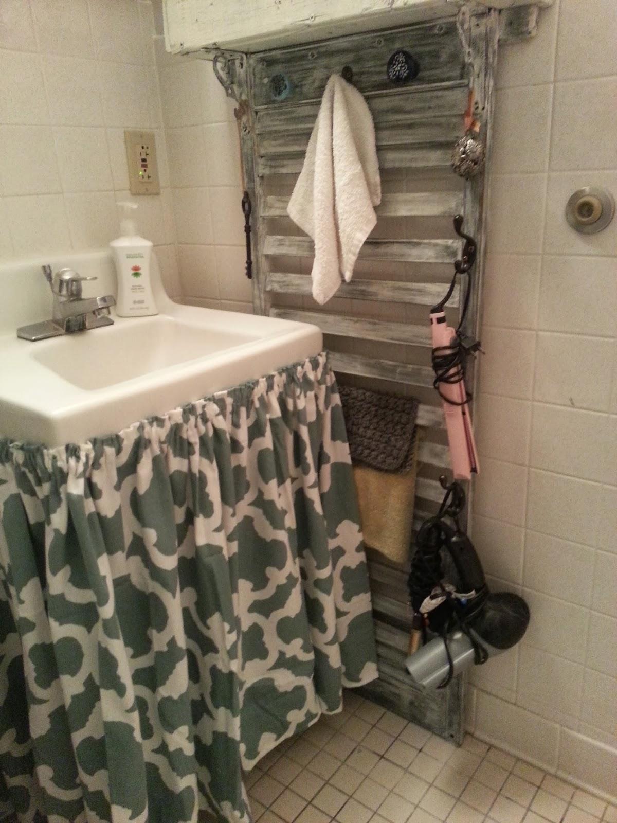 MY BATHROOM SINK CURTAIN