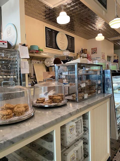 Magnolia Bakery in Chicago
