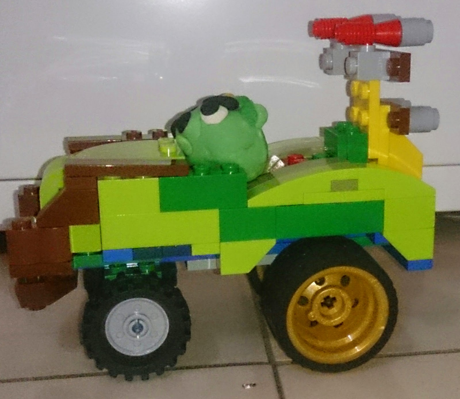 Ace Swan Blog: Lego Angry Birds Go MOC: Phoenix Star L6