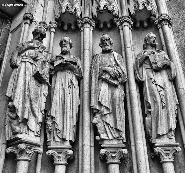 Close-up das Esculturas Os Evangelistas na Catedral da Sé - São Paulo