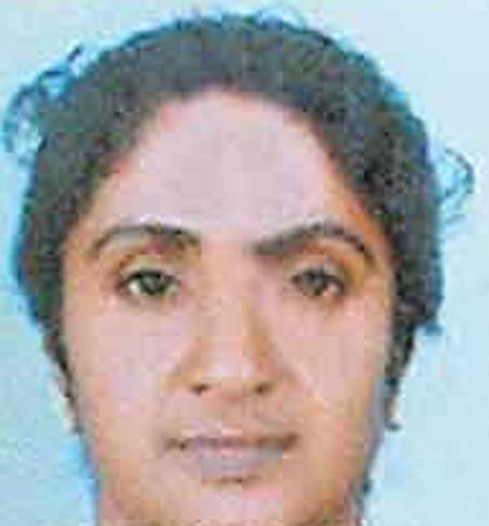 Woman found dead inside her home, Dead, Murder, Arrested, Police, Food, hospital, Treatment, Injured, Local-News, News, Kerala