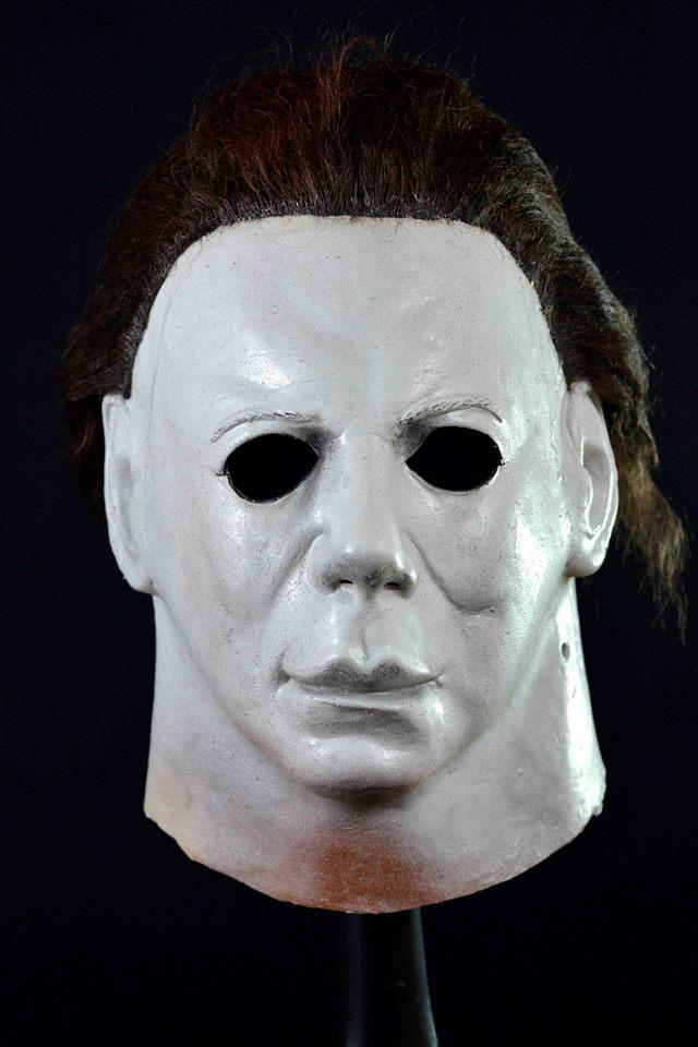 Halloween 1978 Mask Vs 2020 Mask Trick or Treat Studios Previews New Michael Myers Mask | Halloween