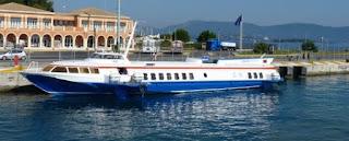 Embarcación de Ionian Cruises para llegar a Albania.