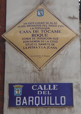 Casa de Tócame Roque + Calle del Barquillo