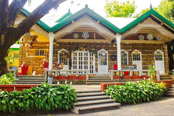 Where to go this Christmas near Metro Manila?