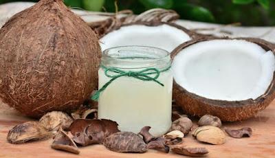 Khasiat manfaat minyak kelapa