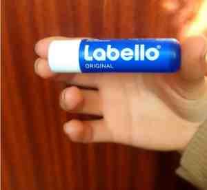 تجربتي مع مرطب شفايف لابيلو labello الازرق