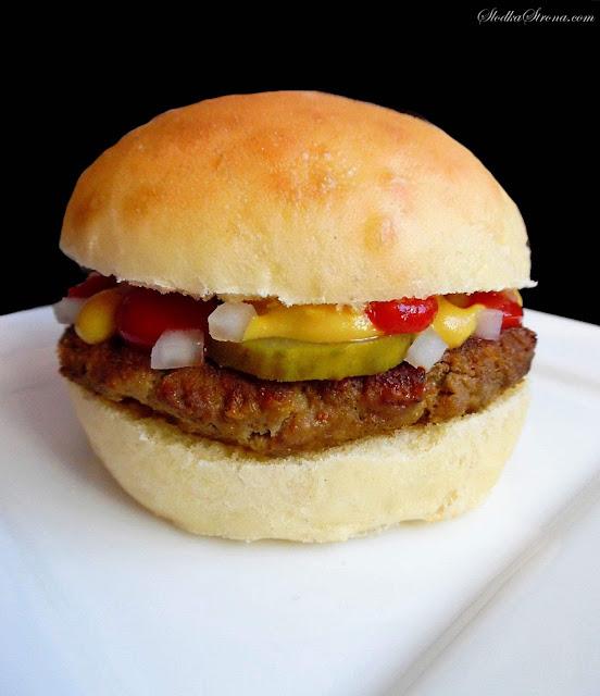 Domowy Hamburger jak z McDonald's - Przepis - Słodka Strona