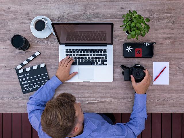 منتج المحتوى عبر الإنترنت