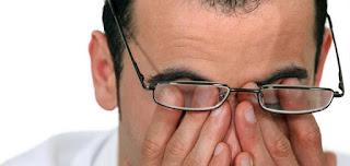 أعراض إجهاد العين