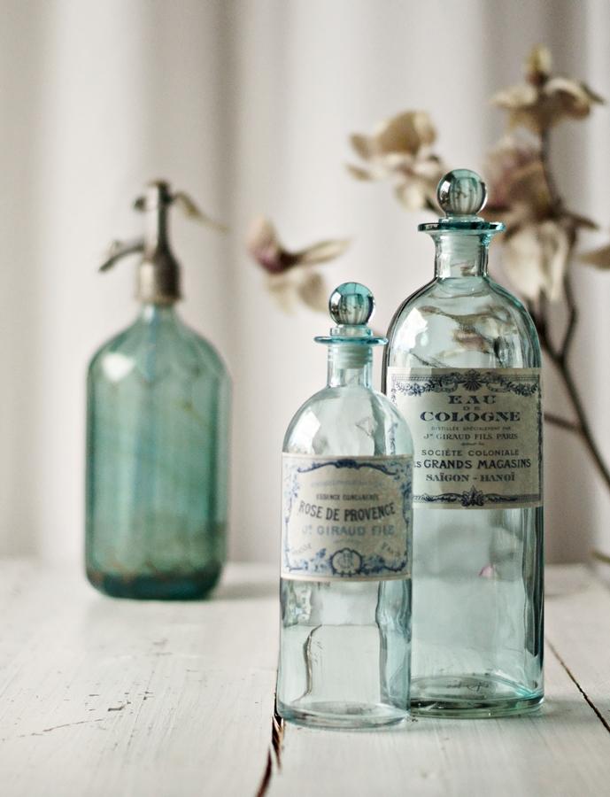 dekoration bottles flaschen bouteilles. Black Bedroom Furniture Sets. Home Design Ideas
