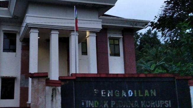 HUT ke-75 RI, Bendera Separatis RMS Berkibar di Kantor Pengadilan Ambon