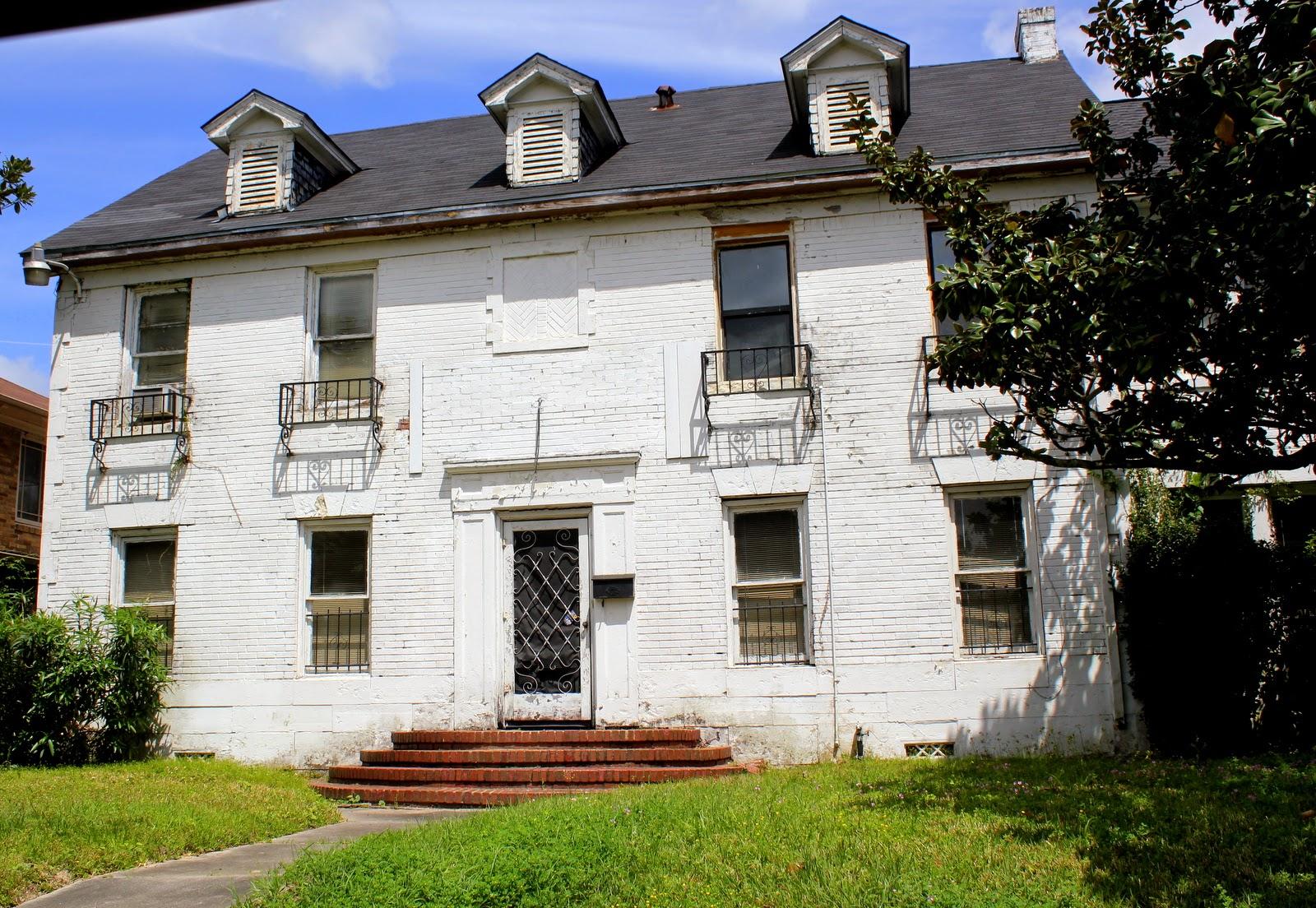 abandoned celebrity mansions bing images. Black Bedroom Furniture Sets. Home Design Ideas