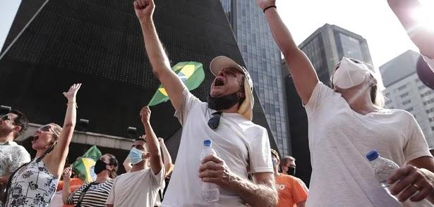 Oposição rachada esvazia atos a favor do impeachment de Bolsonaro