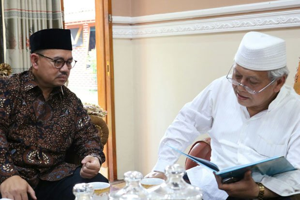 Pesan Kiai Sepuh Minta Sudirman Said Jaga Madrasah Diniyah