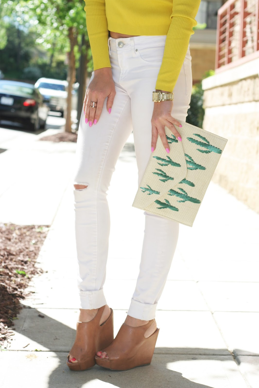 The-perfect-statement-straw-clutch-cactus-print-Barbie-pink-almond-shaped-nails