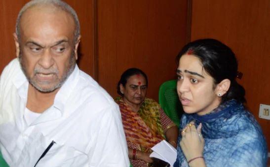 आखिर मान गईं राबड़ी देवी, ऐश्वर्या को मिला ससुराल में प्रवेश - newsonfloor.com