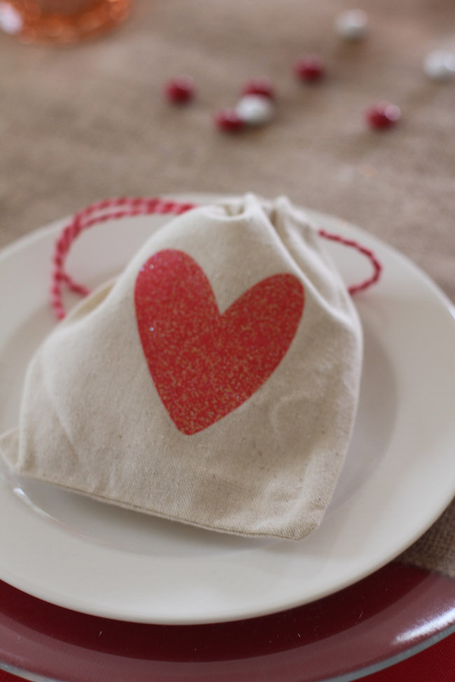 valentines'-day-heart-gift-bag