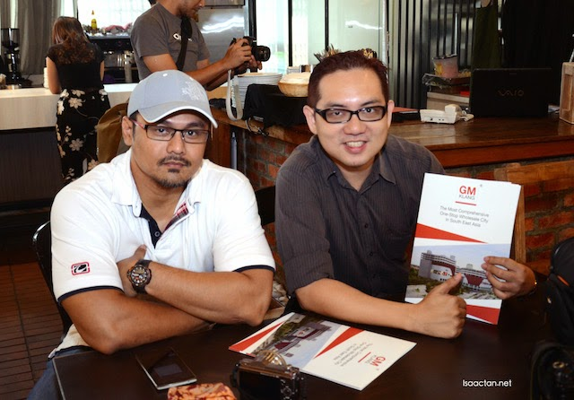 With fellow blogger, Ben Ashaari at the launch event
