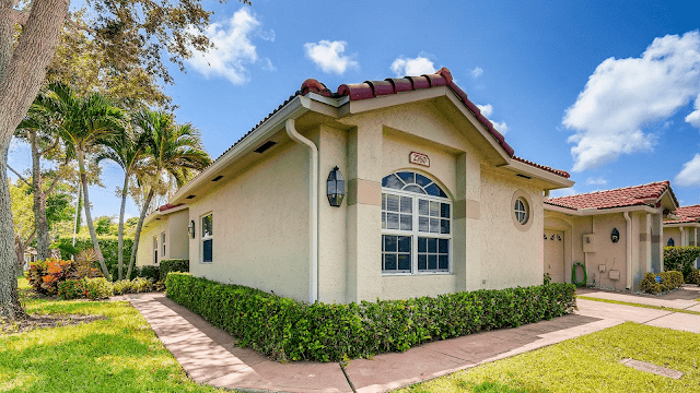 How old do you have to be to buy a house in Florida?
