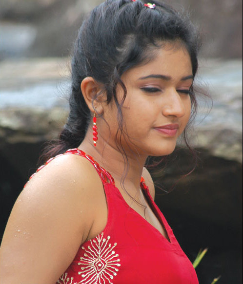 Hot LIPS Poonam Bajwa, More Sexy Posing Poonam Bajwa, Pink
