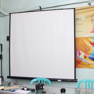 Screen Projector + Tripod GTC 84 Inch 2nd