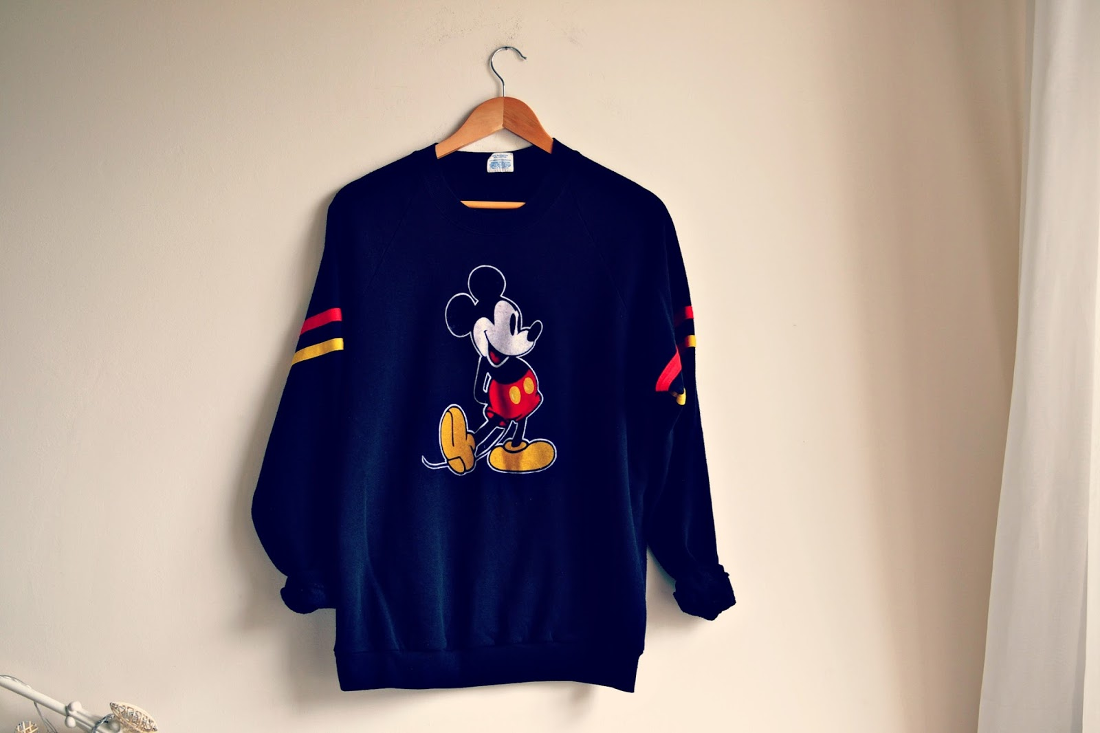 vintage disney mickey mouse jumper