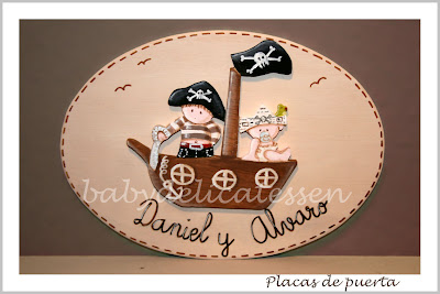 placa de puerta infantil dos piratas en barco babydelicatessen