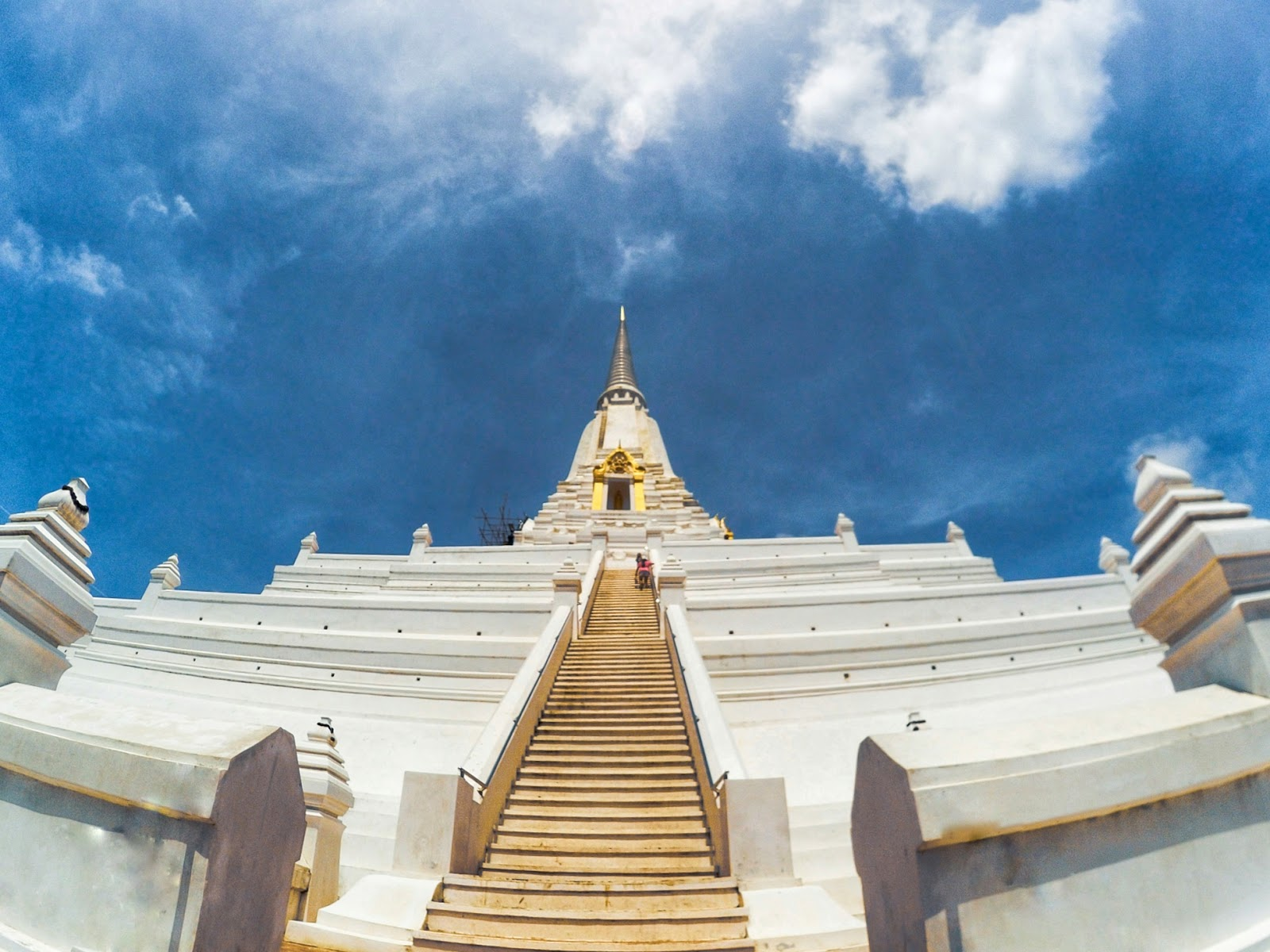 5 Famous and Instagrammable Temples in Bangkok, Thailand