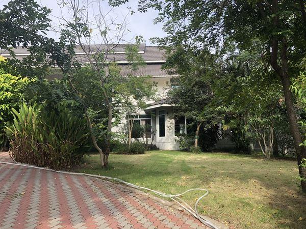 ขายบ้านหรู หมู่บ้านเมืองเอก ปทุมธานี ซอยเอกรัตน์ 11 ต. หลักหก อ.เมือง จ.ปทุมธานี