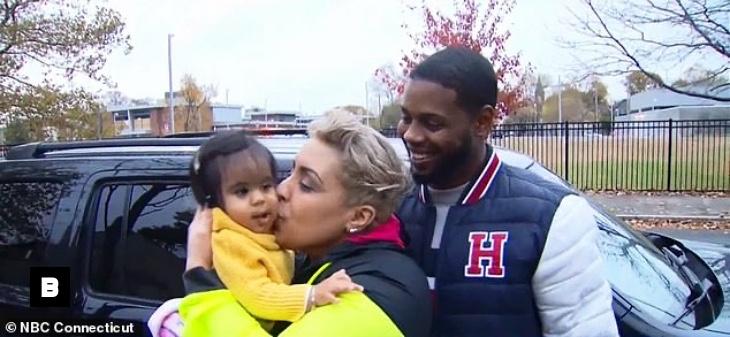 Roban vehículo a madre dominicana con sus hijos a bordo en Connecticut