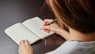 Cara Menanggapi Cerita tentang Tokoh | Contoh Teks Cerpen