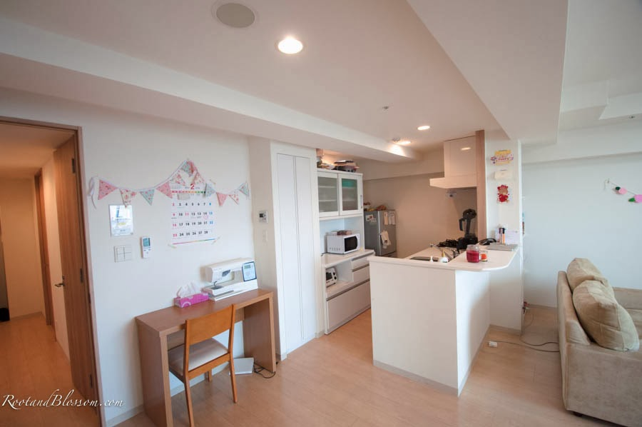 Rootandblossom: A Tour of Our Japan Apartment